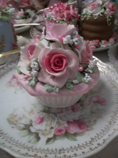 (Gorgeous) Fake Cupcake
