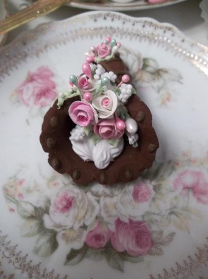 (Cinderella) Decorated Fake Cannoli