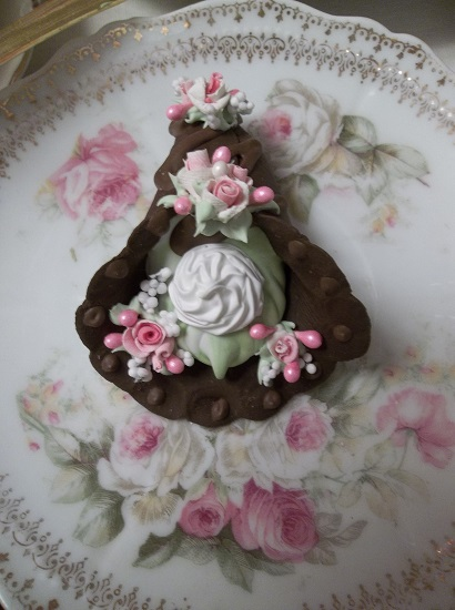 (Angel) Decorated Fake Cannoli