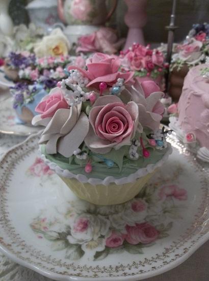 (Kay) Fake Cupcake