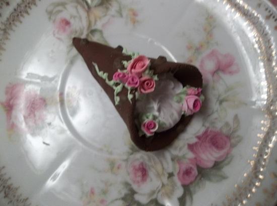 (Candice) Decorated Fake Cannoli