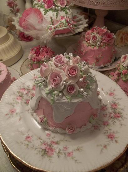 (Darling Dora) Funky Junk Fake Cake