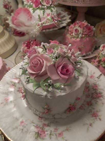 (Summer Roses) Fake Cake