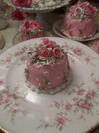 (Dazzling Diana) Funky Junk Fake Cake