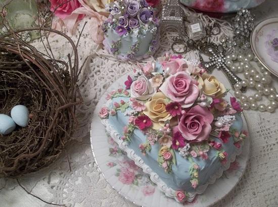 (Garden Laynie) Funky Junk Fake Cake