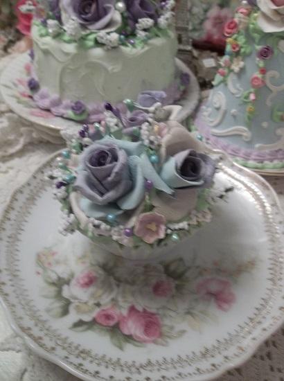 (Anita Violet) Fake Cupcake
