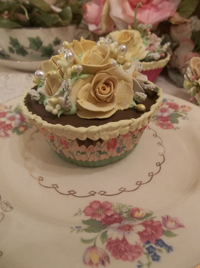 (Lemon Verbena) Fake Cupcake