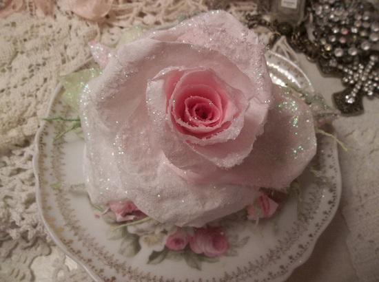 (Bella) Handmade Paper Rose Clip