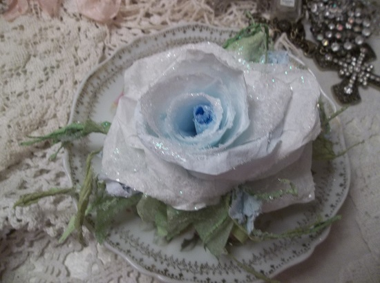 (Grace Land)  GLITTERED Handmade Paper Rose Clip