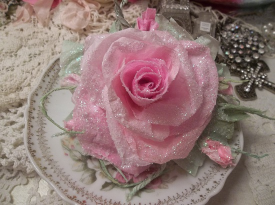 (Frosted Paris Rosa) Handmade Paper Rose Clip