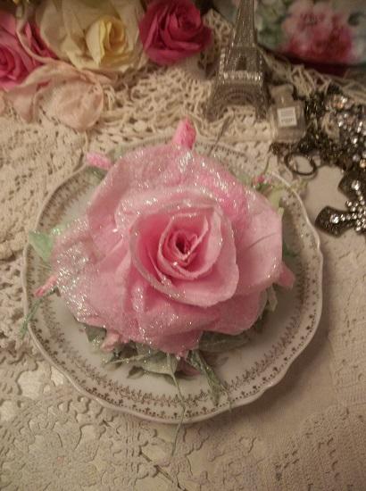 (Jacki Frost) Handmade Paper Rose Clip