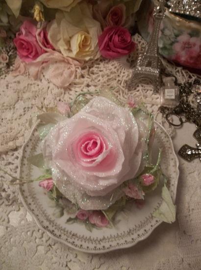 (Rhonda Frost) Handmade Paper Rose Clip