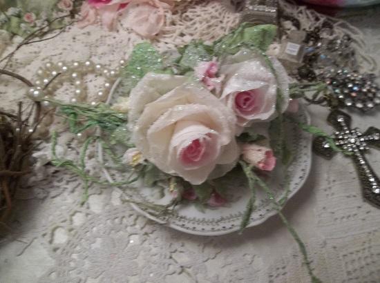 (Snow Dream Dreamer) German Glass Glittered Handmade Paper Rose Clip