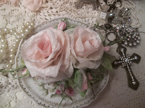 (Champaqne) German Glass Glittered Handmade Paper Rose Clip