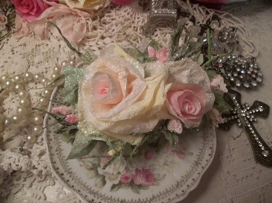 (Fiona) German Glass Glittered Handmade Paper Rose Clip