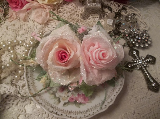 (Annah) German Glass Glittered Handmade Paper Rose Clip