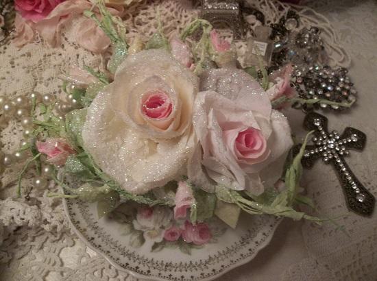 (Elsie) German Glass Glittered Handmade Paper Rose Clip