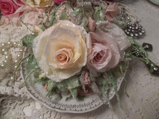 (Esmarelda) German Glass Glittered Handmade Paper Rose Clip