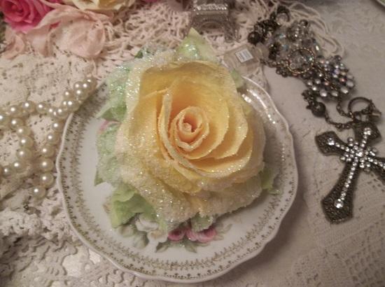 (Lola) German Glass Glittered Handmade Paper Rose Clip