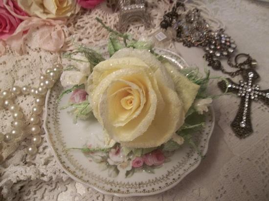 (Lannetta) German Glass Glittered Handmade Paper Rose Clip