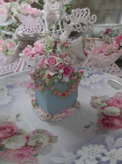 (Gathering Roses) Fake Cake Slice