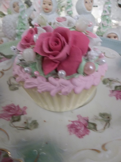 (Happy) Fake Cupcake