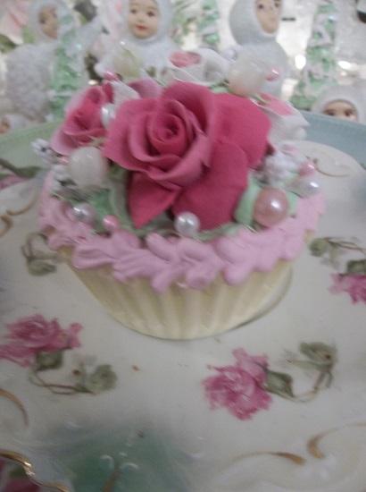 (Happy) Fake Cupcake