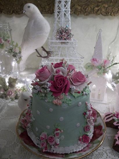 (Ariel) Funky Junk Fake Cake