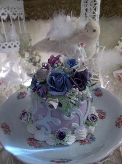 (Loraine) Funky Junk Fake Cake