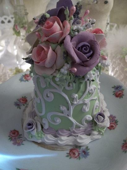 (Sasha) Funky Junk Fake Cake