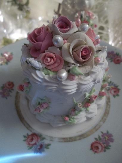 (Lilli Belle) Funky Junk Fake Cake