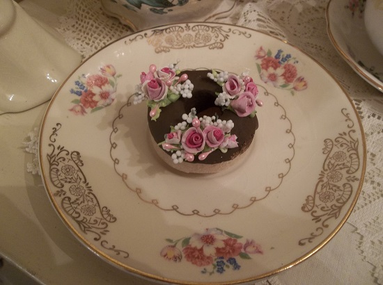 (Oprah) Decorated Mini Donut