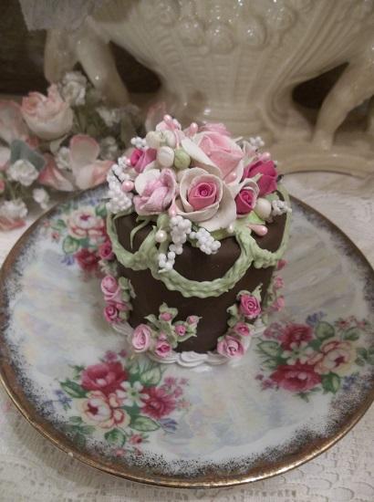 (Chocolate Bella) Funky Junk Fake Cake