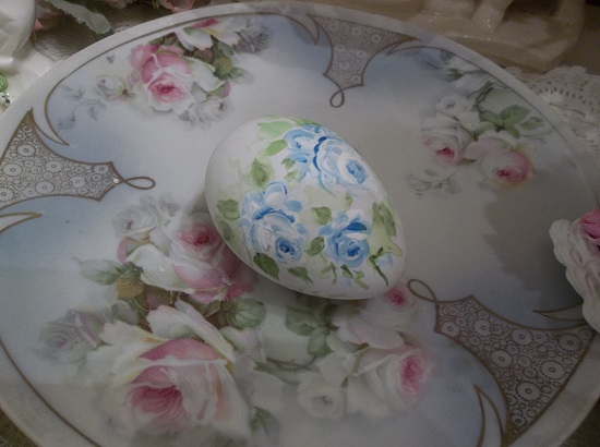 (Blue Belle) Handpainted Fake Egg