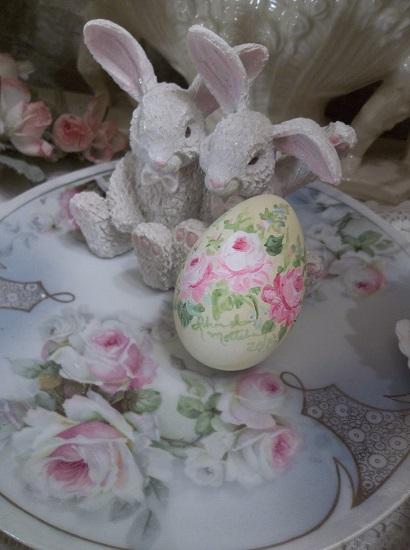 (Forget Me Not Sunshine Rosa) Handpainted Fake Egg