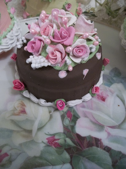 (Little Cocoa) Funky Junk Fake Cake