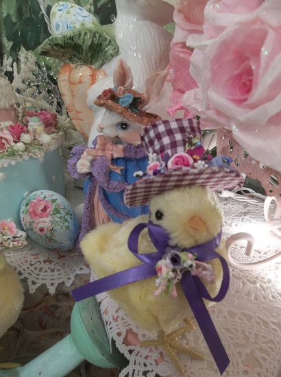(Miss Violet Chickie Poo) Easter Decor Baby Chick In Gingham Hat Ready For The Easter Parade