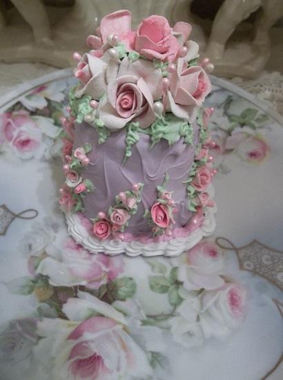 (Pretty Patricia) Funky Junk Fake Cake