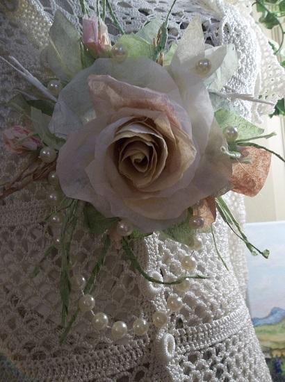 (Barbara Rose Bush) Handmade Paper Rose Clip