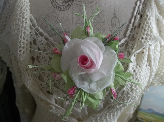 (Rosalynn) Handmade Paper Rose Clip