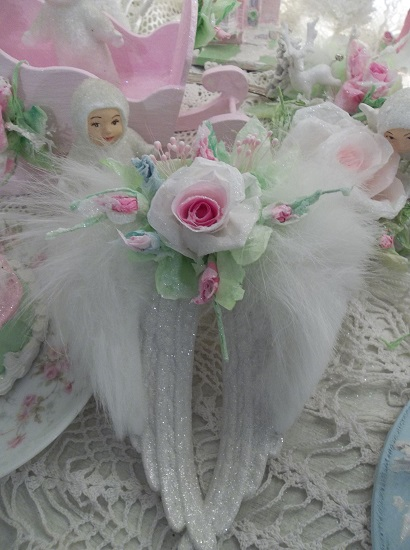 (Airiella) Decorated Angel Wings Ornament