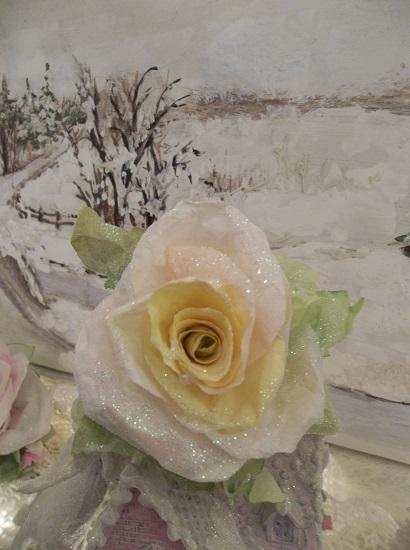 (Vintage Glow) Prism Glittered Handmade Paper Rose Clip