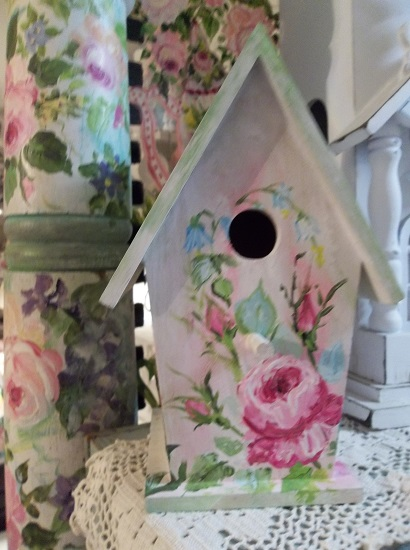 (Feathers In The Wind) Handpainted Bird House