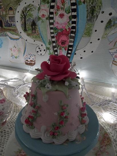 (Rosa Rhea) Funky Junk Fake Cake