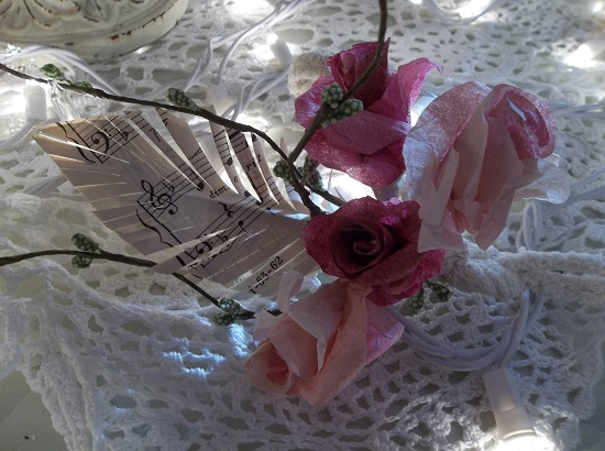 (August) Bouquet Of 4 Handmade Paper Roses With A Handmade Paper Feather