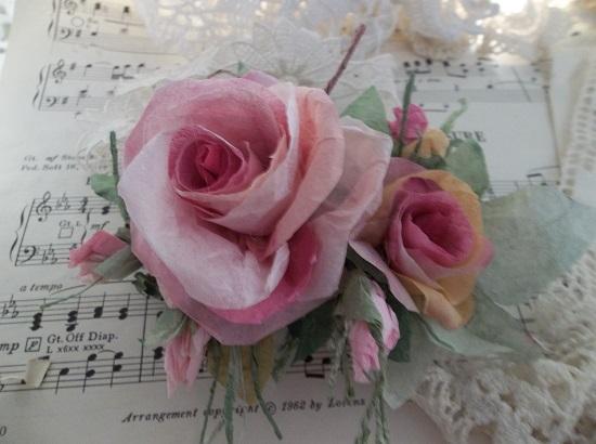 (Hetty) Handmade Paper Rose Clip