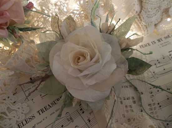 (Honey) Handmade Paper Rose Clip