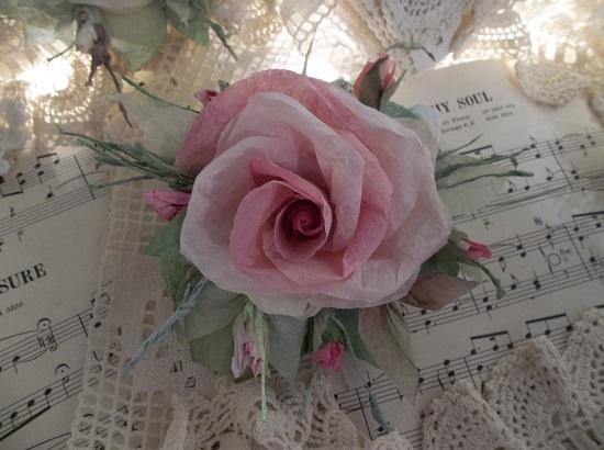 (Hannamarie) Handmade Paper Rose Clip