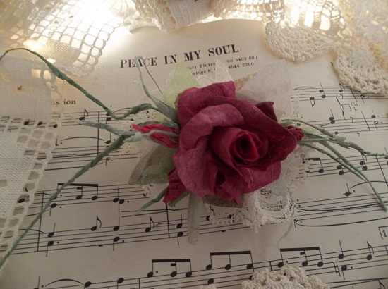 (Petulia) Handmade Paper Rose Clip