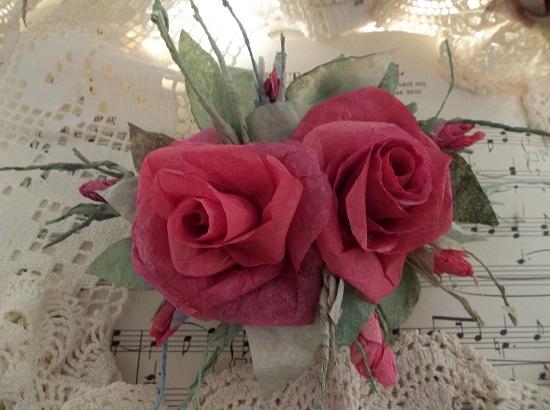 (Parish Rosa) Handmade Paper Rose Clip